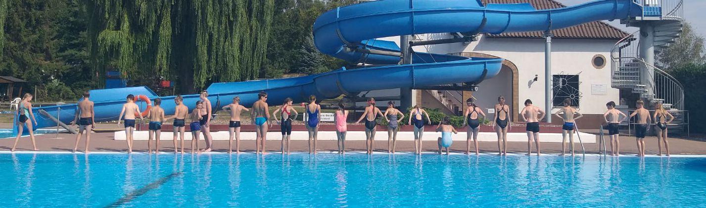 Schwimmlager bei Sonne und Augusthitze