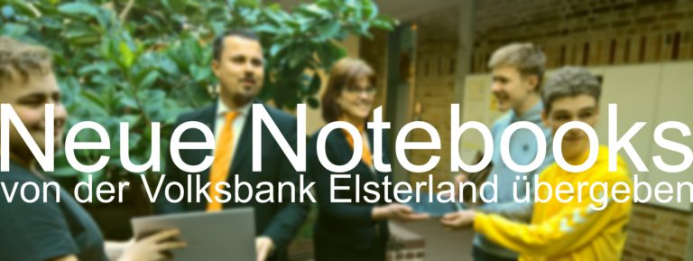 VR-Bank übergibt Notebooks